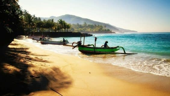, Bali Bans Single-use Plastics, to Cut Marine Pollution in 2019 (Support the circular economy by vacationing in Bali!), TheCircularEconomy.com