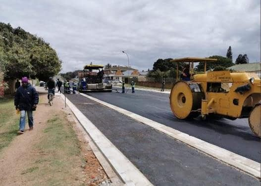 , Paving highways using recycled plastics in a circular economy, TheCircularEconomy.com